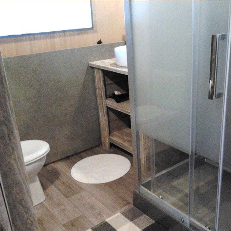 safari tent bathrooms