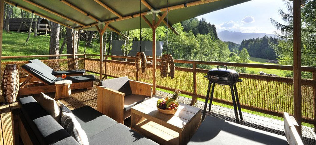 safair lodge veranda